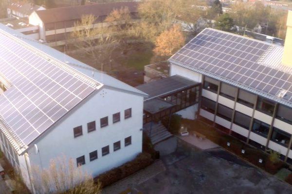 Zum neuen Schuljahr 2019 schafft das Berufsbildungszentrum St. Ingbert – Willi-Graf-Schule – Einwegbecher ab.